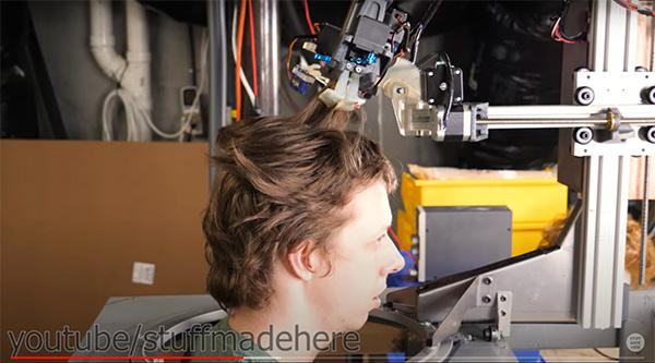 Cabeleireiro robô na quarentena