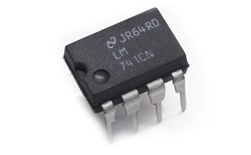 Circuito LM741CN
